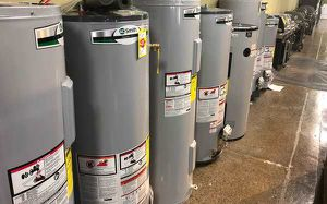 Electric AND Gas Water Heaters 6I44 for Sale in Mesquite, NM