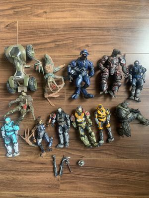 Halo figurines for Sale in Los Angeles, CA