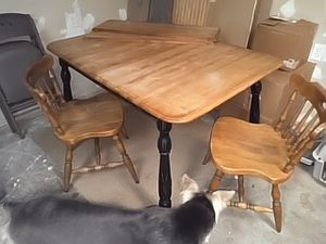 Nice table, 2 leaves, 2 chairs. Make an offer. for Sale in Cashmere, WA