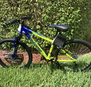 "Mongoose Scepter 24"" Mountain Bike - Green/Blue for Sale in Miami, FL"