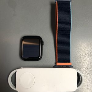 Apple Watch SE 44mm for Sale in Chino, CA