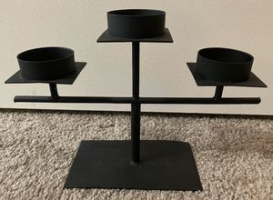 BLACK WROUGHT IRON PEDESTAL 3 CANDLE HOLDERS STAND HOME DECOR ACCENT for Sale in Chapel Hill, NC