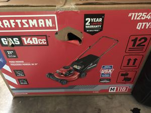 Craftsman Gas 140cc lawn mower for Sale in Upper Marlboro, MD