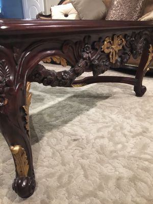 Table Must go! Oversized coffee table for Sale in Hollywood, FL