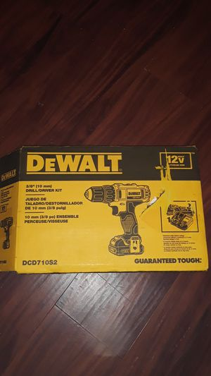 3/8 drill driver kit 12v MAX for Sale in Brentwood, CA