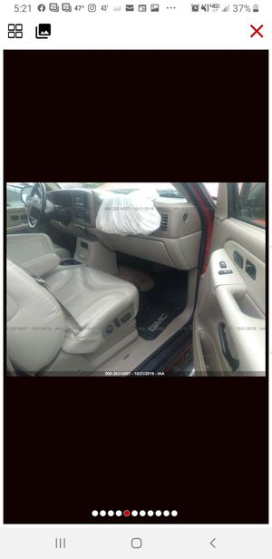 2001 GMC Yukon for parts only for Sale in Kent, WA