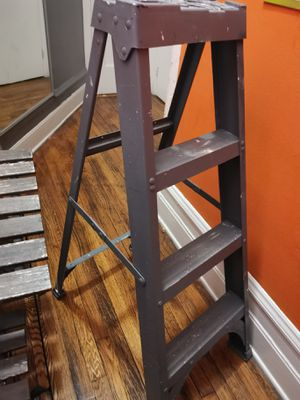 Stepladder 4 ft. H x 19.88 in. W Fiberglass Type IA 300 lb. capacity Step Ladder for Sale in Queens, NY