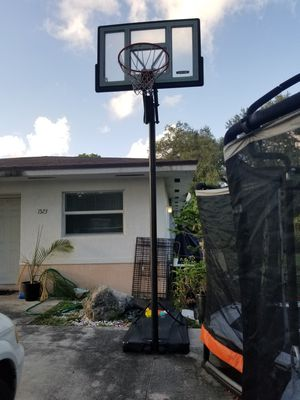 Basketball hoop for Sale in North Miami, FL