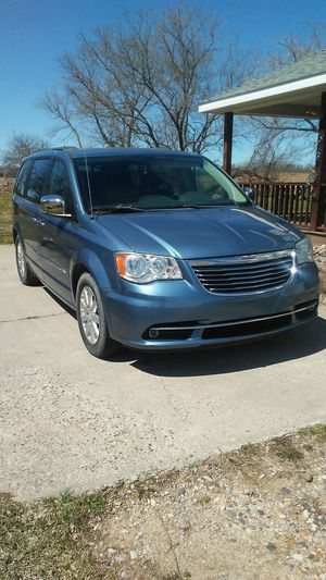 Chrysler 2011 Town & Country for Sale in Roos, MI