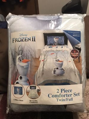 Disneys Frozen ll 2 Piece Comforter Set Twin/Full (Olaf) for Sale in Sioux Falls, SD