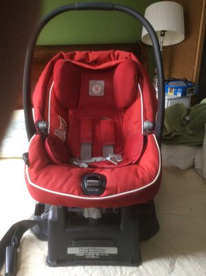 Peg-per ego primo biggie sip 30-30 infant car seat for Sale in Philadelphia, PA