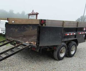 Dump PJ Trailer2OO6 Price$1000 for Sale in Jefferson City, MO
