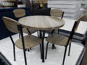 New gray 5pc dining table set for Sale in Beltsville, MD