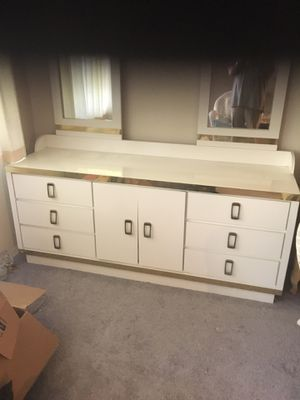 Nine drawer dresser, white with gold trim. for Sale in West Los Angeles, CA