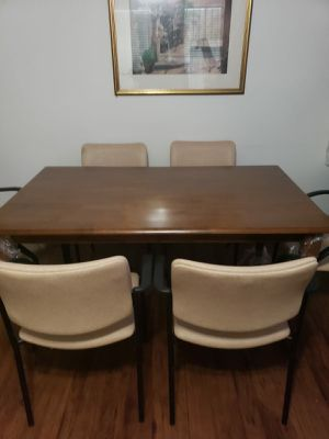 1 Wooden dining table with 6 chairs. for Sale in Houston, TX