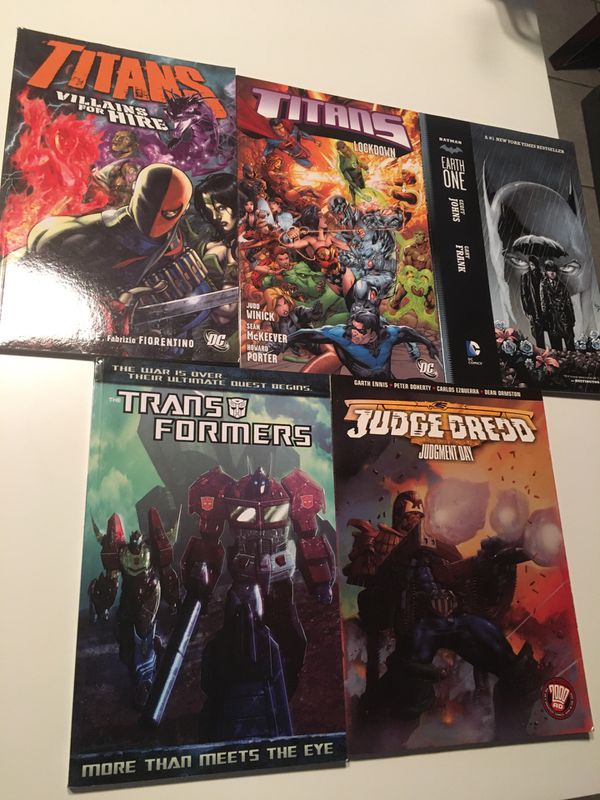 Comic Book and Graphic Novel Lot