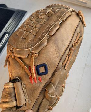 Nokona 12 inch Fast Pitch Softball / Baseball Glove BTF 1200 for Sale in Palmdale, CA