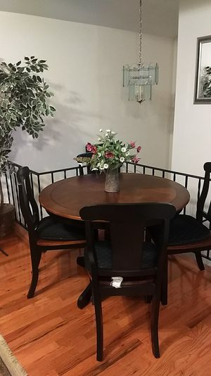 Kitchen table for Sale in Staten Island, NY