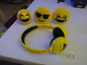 Emoji Bluetooth speakers headphones and chargers for Sale in Visalia, CA