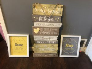 Changing table and wall decor for Sale in Aurora, CO