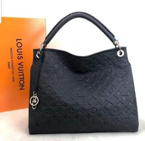 Louis Vuitton arty mm for Sale in St. Louis, MO
