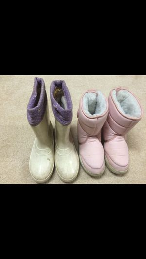 Girls boots size 4/5 for Sale in Bloomington, MN