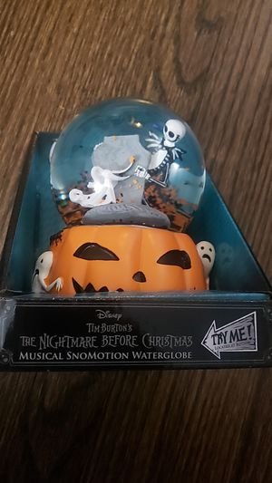 Tim Burtons NIGHTMARE BEFORE CHRISTMAS WATERGLOBE for Sale in Chicago, IL