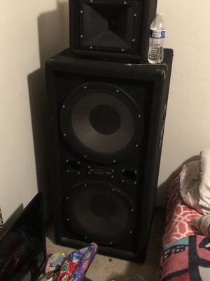 2 Pro Audio speaker for Sale in Tacoma, WA