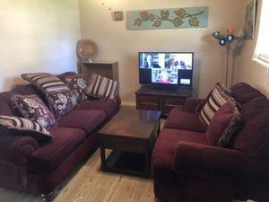 Sofa live seat with center table for Sale in Kilgore, TX
