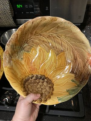 Sunflower bowl for Sale in Chula Vista, CA
