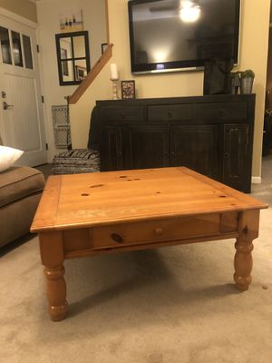 Coffee Table and 1 side table set for Sale in Ewing Township, NJ