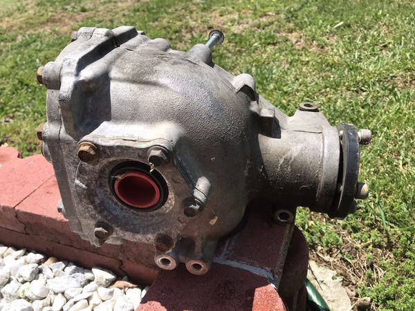 2009 Infinity M35X Front Differential