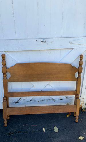 Twin head & foot frame with rails for Sale in Fredonia, NY