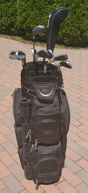 Men's Wilson pro staff tour golf clubs with full size bag . Right handed for Sale in Morton Grove, IL