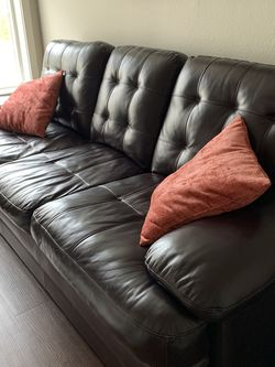 Leather Couch for Sale in Olympia,  WA