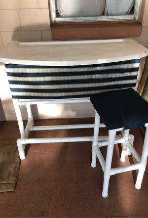 Pool bar with stools for Sale in BVL, FL