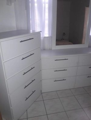 NEW MIRROR DRESSER AND CHEST for Sale in Orlando, FL