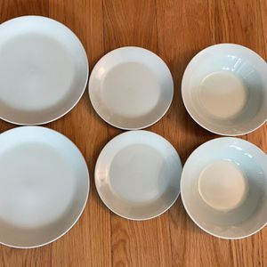 Green IKEA Plate Set for Sale in Queens, NY