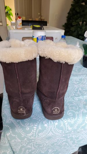 Bear paws girl boots size 4 for Sale in Orange, CA