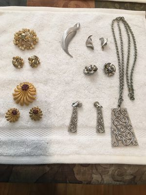 Vintage Jewelry by Trifari for Sale in Long Beach, CA