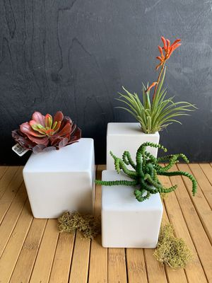 White Assorted Plant Pot Set (x3) , with Artificial Succulent Decoration (x3) for Sale in San Diego, CA