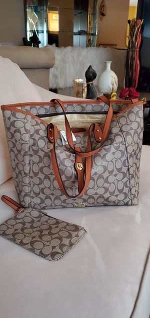 New Coach GM bag and small purse 👛 for Sale in MONTGOMRY VLG, MD