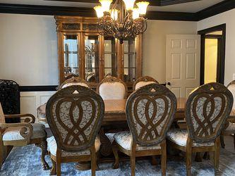 Master Michael Amini Dining Set And Cabinet for Sale in Alpharetta,  GA