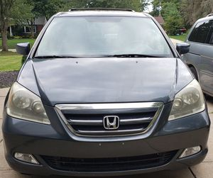 Honda Odyssey Touring Mini Van 2006 for Sale in Cleveland, OH
