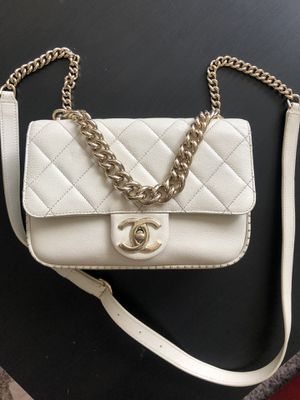 Chanel authentic bag for Sale in Bensenville, IL