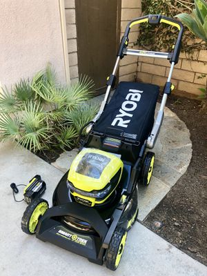 Lawn mower Ryobi 40v self propelled cordless SMART TREK NEW! for Sale in San Diego, CA