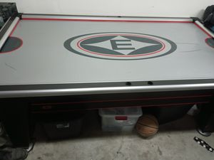Air hockey table for Sale in Lemoore, CA