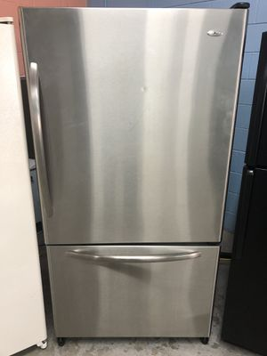 Stainless Bottom Freezer Refrigerator With Ice Maker for Sale in Rockledge, FL