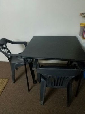 Breakfast yable with 2 chairs for Sale in Kearny, NJ