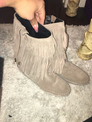 Juicy couture size 7 woman's fringe boots used once for Sale in Anaheim, CA